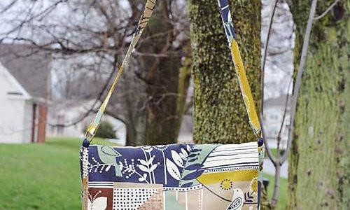 {a little birdie told me} Messenger Bag Pattern