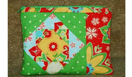 Free Sewing Tutorial - Paper Pieced Zip Pouch