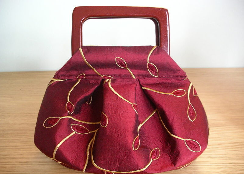 Silk Pleated & Darted Purse – Free Sewing Tutorial