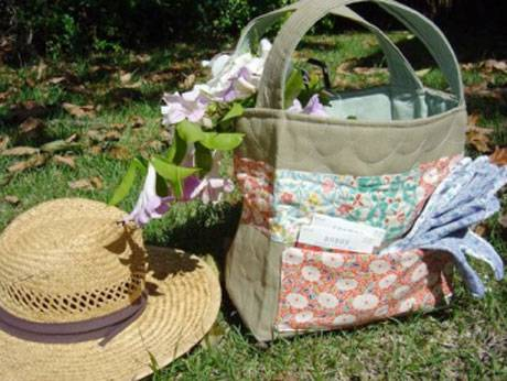 Quilted Garden Tote Free Sewing Tutorial Love To Sew