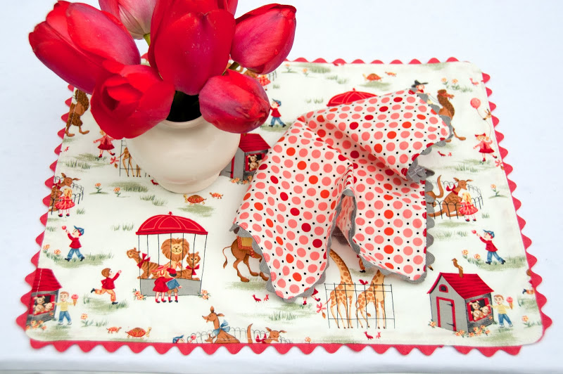 Rickrack Placemat and Napkins Sewing Tutorial