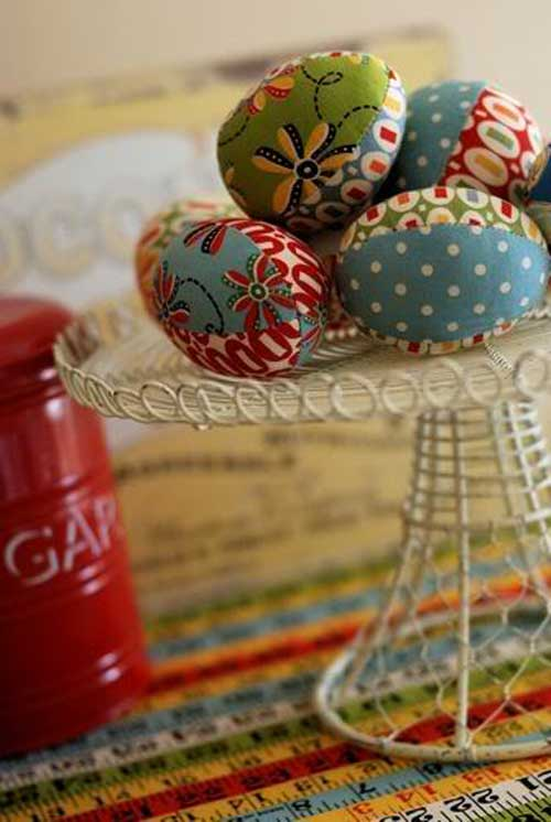 Fabric Easter Eggs - Free Sewing Tutorial by Retro Mama