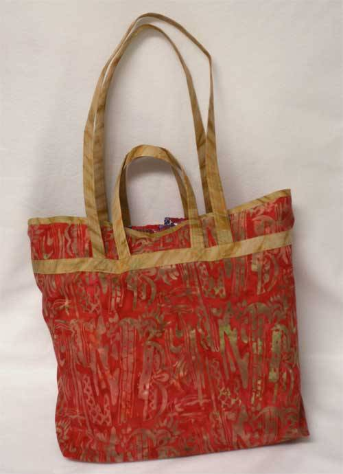 Free Bag Pattern and Tutorial - Show and Tell Tote Bag