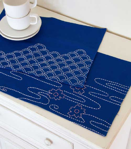 These pretty placemats are the perfect canvas for showing off your Sashiko sewing skills.
