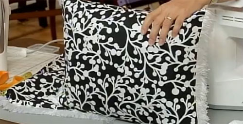 How to sew decorative pillow covers in just a few minutes