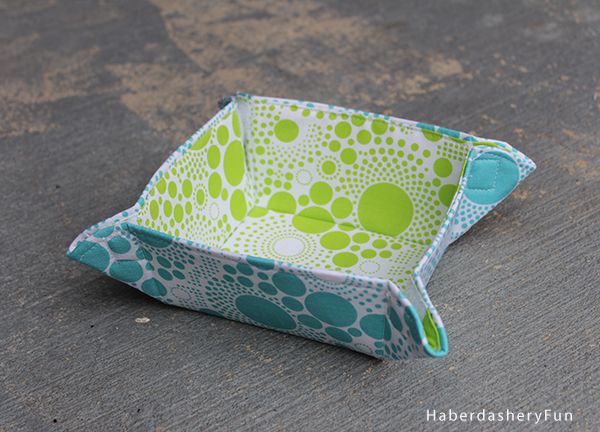 Collapsible Fabric Bowls - Free Sewing Tutorial