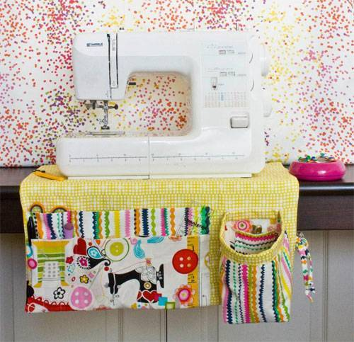 This Sewing Machine Apron has lots of pockets so you can have all your sewing tools close at hand when you sew.