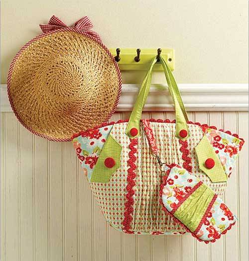 This pattern includes two designs for a large bag and a small purse.