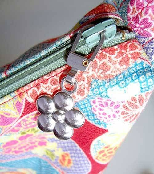 How to Attach A Zipper Pull - Free Sewing Tutorial