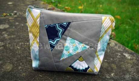 Free Bag Pattern and Tutorial - Paper Pieced Cosmetic Bag