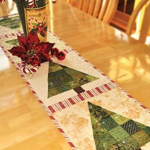 Patchwork Christmas Tree Table Runner Pattern