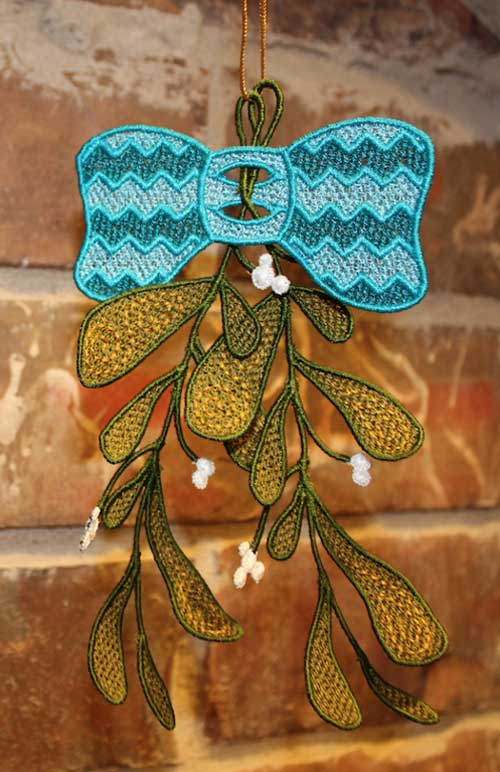 Freestanding Lace Mistletoe & Bow Embroidery Design