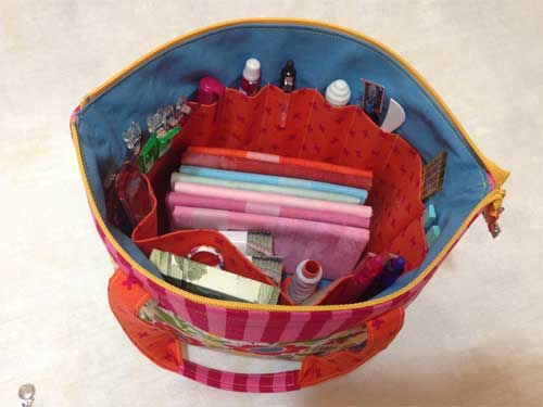 This the perfect bag to take to classes, retreats or for travelling with a sewing project
