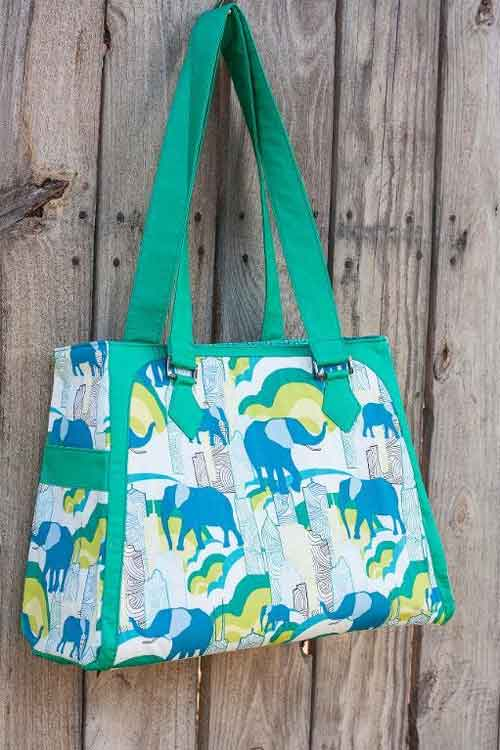 This large bag is stylish and is the perfect bag for holding lots of stuff.