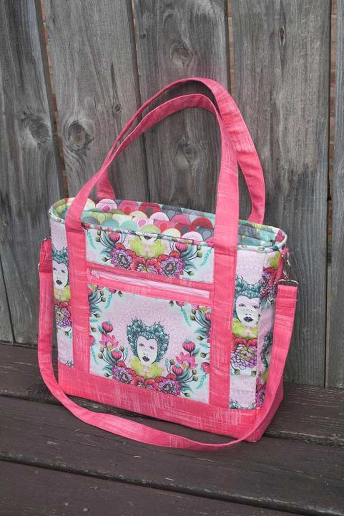 This large tote bag gives you lots of options so that you can pick and choose which details you want to add to your bag.