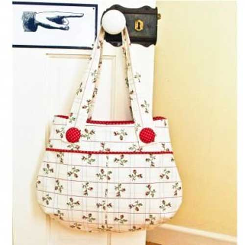 This bag is perfect for use as an everyday bag and has lovely details.