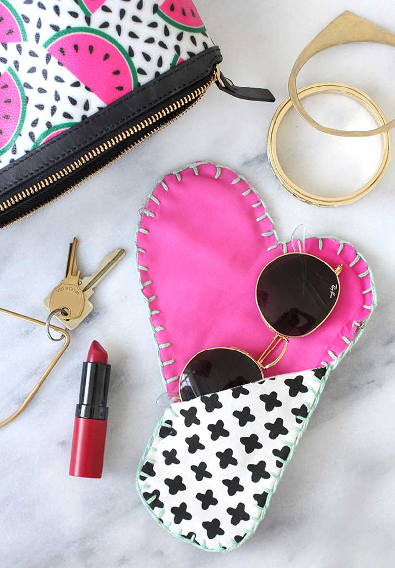Free Sewing Pattern and Tutorial - Eyeglass Case