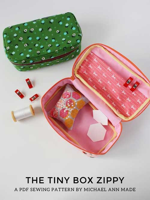 Take your sewing with you wherever you go with this boxy, zippered bag