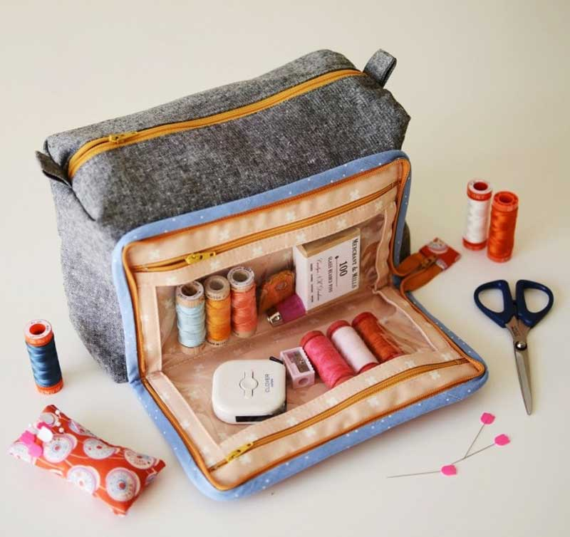 This box-style pouch is perfect for storing and organizing your sewing supplies
