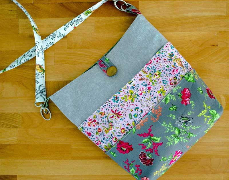 Tote with Many Pockets - Free Bag Pattern