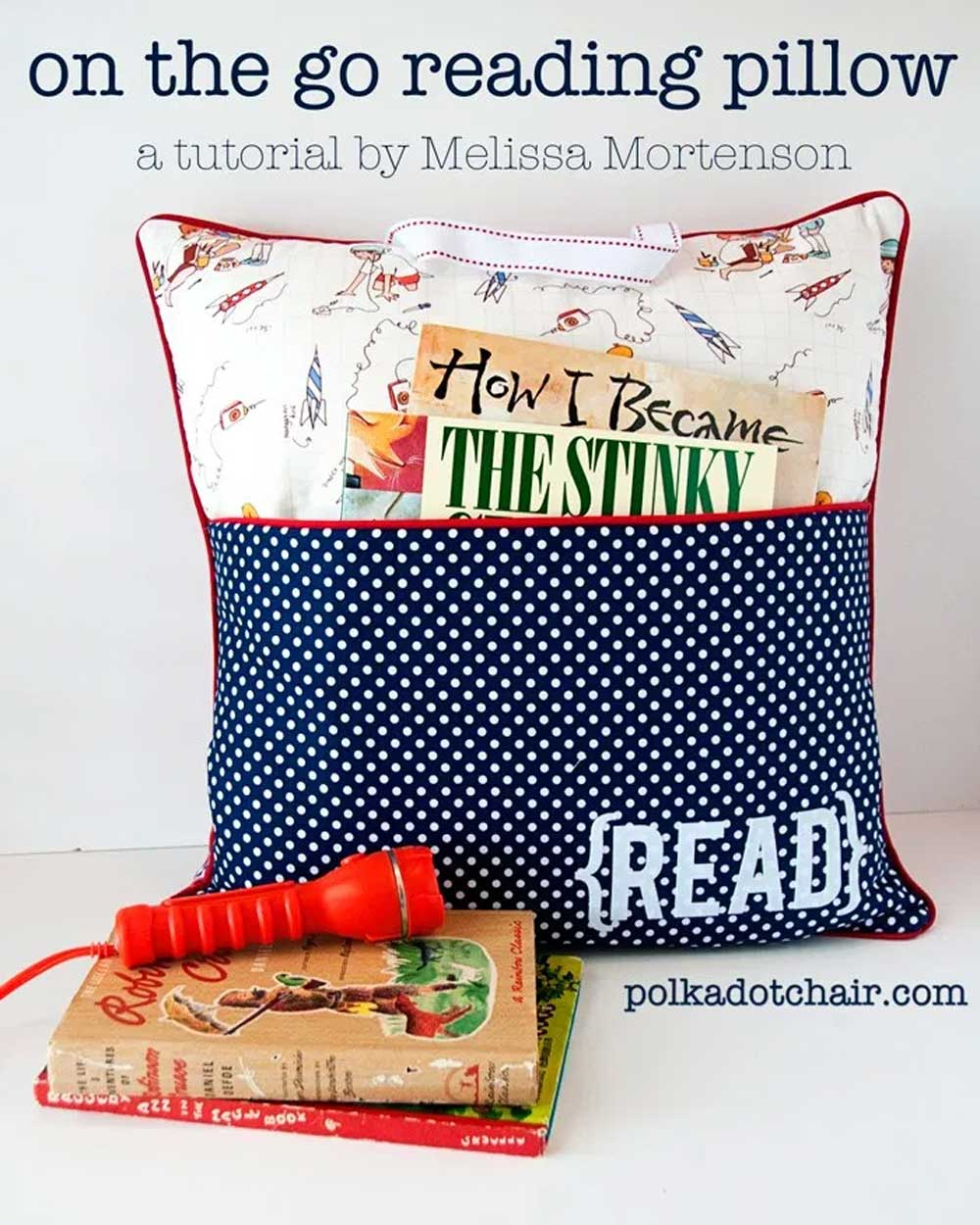 Pillow with a Reading Pocket - Free Sewing Pattern
